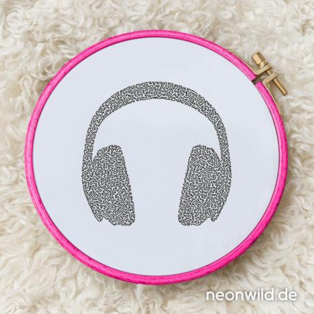 010 – headphones