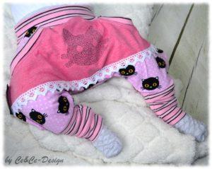 Neonwilde Stickerei Katze - Babyhose CeCe